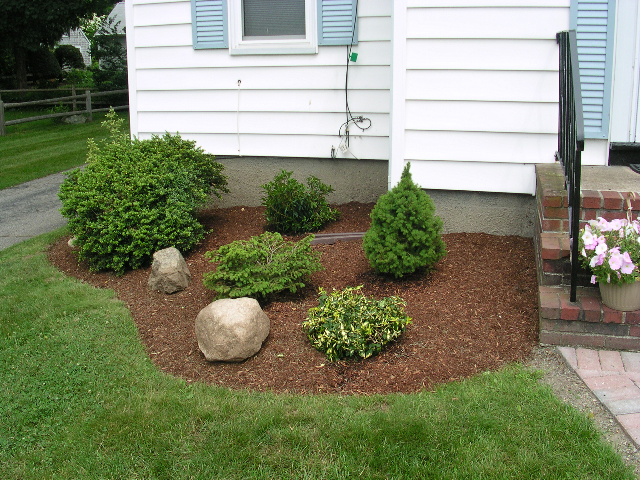 About Colonial West Landscaping Colonial West Landscaping